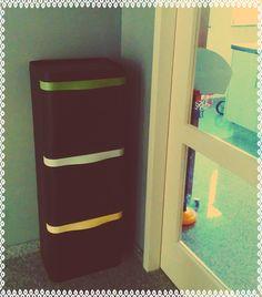 Een compacte prullenbak voor in huis waarmee je al het afval kunt scheiden.