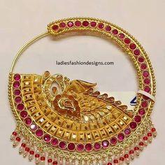 Bridal beautiful look nose ring nath designs - Fashion Beauty Mehndi Jewellery Blouse Design Tika Jewelry, Nose Jewelry, Jewelry Design Earrings, Gold Jewellery Design, Bridal Jewelry, Antique Jewellery Designs, Gold Ring Designs, Rajputi Jewellery, Pearl Stud Earrings