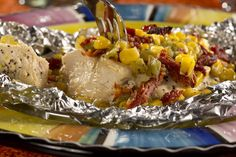 Having a fiesta? Or just wish your mealtime turned into one? Well, this simple and lively tasting recipe for Chicken Fiesta will do the trick in no time! Foil Packet Dinners, Foil Pack Meals, Foil Dinners, Foil Packets, Quick Dinner Recipes, Clean Recipes, Picnic Recipes, Grilling Recipes, Cooking Recipes