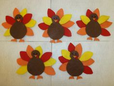 Five little turkeys. Or turkeys. Or fall. Happy Halloween Banner, Five Little, Flannel Boards, Flannels, Crafts For Girls, Felt Diy, Thanksgiving Turkey, Holiday Crafts, Kids Rugs