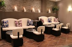 Fortelli Salon & Spa has a full day Spa, equipped with 3 manicure stations, 4 pedicure stations, 2 facial waxing stations, 3 facial/body care rooms, and 2 massage rooms.