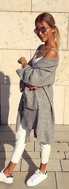 #spring #outfits woman in gray jacket standing near white wall. Pic by @w_street_style