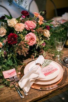 Take a step inside our special Private Registry Event at South Coast Plaza co-hosted with our favorite wedding bloggers, 100 Layer Cake.