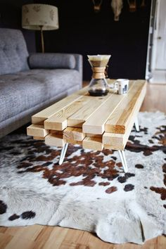 DIY WOODEN COFFEE TABLE: A good coffee table is very important in any home! You can take your guests to the living room, the center of which can this wooden coffee table. It's so beautiful, it can start a conversation! Diy Furniture Projects, Wood Projects, Woodworking Projects, Unique Wood Furniture, Furniture Wax, Modular Furniture, Teds Woodworking, Industrial Furniture, Luxury Furniture