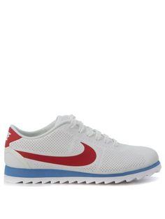NIKE Sneaker Nike Cortez Ultra Moire In Pelle Vegana Bianca Forata. #nike #shoes #sneakers