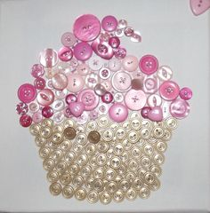 Very sweet cupcake created with pink buttons. Perfect to decorate a little girls room or to give as a gift for a sweet sixteen birthday. Bead Crafts, Jewelry Crafts, Jewelry Art, Arts And Crafts, Diy Buttons, Vintage Buttons, Crochet Buttons, Button Cupcakes, Crafts To Make