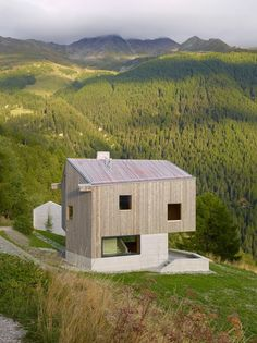 Image 8 of 18 from gallery of Chalet, Val D'hérens / Savioz Fabrizzi Architectes. Photograph by Thomas Jantscher Chalet Design, House Design, Architecture Design, Contemporary Architecture, Wooden Facade, Swiss Chalet, Swiss Alps, Wood Cladding, Detached House