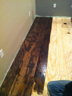Bohall Blessings: Plywood Floor DIY For library downstairs Plywood Flooring Diy, Hardwood Floors, Staining Plywood, Stained Plywood Floors, Painted Floors, Laminate Flooring, Home Improvement Projects, Home Projects, Home Renovation