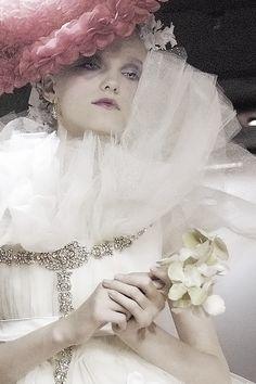 〔Glamourdistrict〕: runway fashion + editorial: Photo