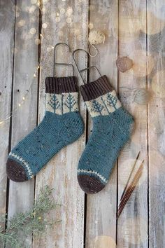 Day 1 of Winter - Blue Spruce Socks knit in Deluxe DK Tweed Superwash. A knitting kit from Universal Yarn. Knitting Kits, Fair Isle Knitting, Knitting Socks, Knitting Projects, Hand Knitting, Blue Spruce, Universal Yarn, Quick Knits, Designer Socks