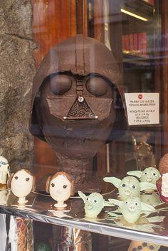 Darth Vader de chocolate en la Pastelería La Santiaguesa de Madrid