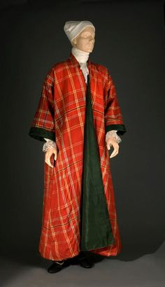 "Man's tartan or plaid gown 1770-1810 Origin: Great Britain OH: 56""; OW (at sleeves): 59""; selvage width worsted 24 3/4"" Worsted, silk Museum Purchase Acc. No. 2009-123  Williamsburg Museum"