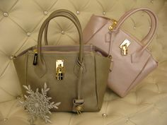 Samantha Thavasa Small Leather Satchel with Lock in bronze and baby pink