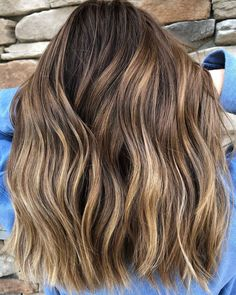 Long Brown Hair With Subtle Highlights Brown Hair Cuts, Golden Brown Hair, Brown Hair Shades, Brown Ombre Hair, Brown Hair Balayage, Long Brown Hair, Brown Blonde Hair, Light Brown Hair, Brown Hair Colors