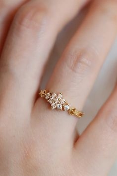 Cute Simple Vintage Flower Gold Promise Graduation Wedding E Gold Jewelry Simple, Gold Rings Jewelry, Jewelry Design Earrings, Gold Earrings Designs, Gold Jewellery Design, Ring Earrings, Silver Bracelets, Gold Necklace, Women's Rings