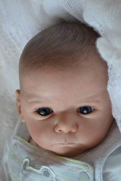 Photo by catherine turner Silicone Reborn Babies, Silicone Baby Dolls, Reborn Baby Dolls, Lifelike Dolls, Realistic Dolls, Fake Baby, Reborn Nursery, Real Doll, Baby Alive