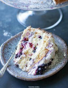 Tort jagodowy Polish Desserts, Polish Recipes, Sweet Recipes, Cake Recipes, Scandinavian Food, Big Cakes, Fudge Cake, Cupcake Cakes, Food And Drink