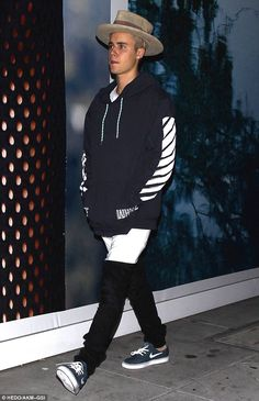 Hat's off to you! Justin Bieber left the Italian restaurant Il Pastaio in Beverly Hills on...
