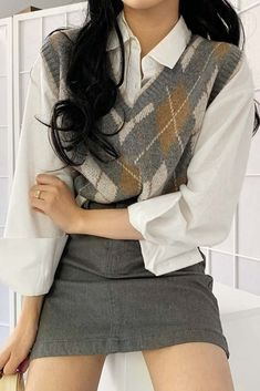 Outfits For School With Argyle Patterned Vest With Skirt Vest Outfits For Women, Cute Casual Outfits, Pretty Outfits, Stylish Outfits, Clothes For Women, Preppy School Outfits, Casual Wear, Korean Girl Fashion, Korean Street Fashion