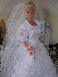 Storybook Wedding.  Zelfgemaakte Barbie kleding te koop via Marktplaats bij de advertenties van Nala fashion. Homemade Barbie doll clothes (OOAK) for sale through Marktplaats.nl verkocht/sold