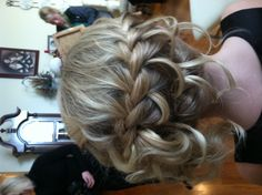 Mackenzie loves the waterfall braid look for the big day :)