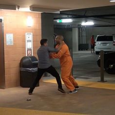 Escaping prisoner prank is Awesome!