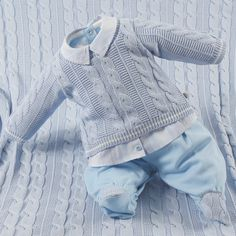 Baby Cardigan Knitting Pattern Free, Baby Knitting Patterns, Baby Patterns, Baby Boy Sweater, Baby Coat, Baby Boy Outfits, Kids Outfits, Baby Costumes For Boys, Baby Models