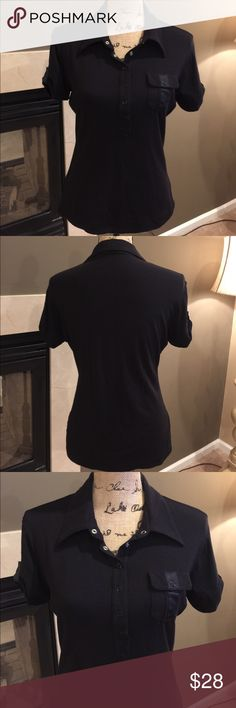 🌺🦋 BEBE 🦋🌺 Gorgeous Black Top 🌺🦋 BEBE 🦋🌺 Gorgeous Black Top awesome snaps on the front, soft top with a small pocket on the front.  Preloved in great condition bebe Tops