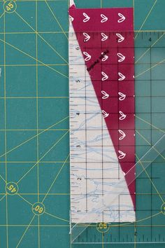 Quilting Tips, Quilting Tutorials, Quilting Designs, Quilting Board, Scrap Quilt Patterns, Pattern Blocks, Sewing Patterns, Half Square Triangle Quilts Pattern, Modern Quilt Blocks
