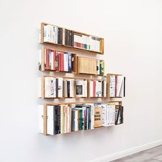 """Das Kleine """"B"""" Floating Shelf by Holon Industrial Design Commissioned for Hamburg furniture designer Jens Baumann Photos by Anselm Gaupp Floating books - this is the impression one gains from the. Minimalist Bookshelves, Unique Bookshelves, Floating Bookshelves, Wall Bookshelves, Bookcase, Wood Shelves, Bookshelf Ideas, Etagere Cube, Ideas"""