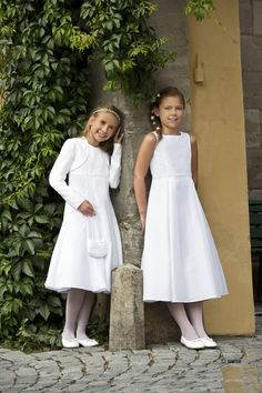 Riddles Kids, Kids Gown, Short People, Communion Dresses, Kids Fashion, Womens Fashion, First Communion, Girl Pictures, Frocks