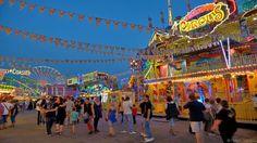 """Der Festplatz vor der Eissporthalle ist insbersondere Veranstaltungsort der Dippesmess. Diese gilt als """"das"""" Volksfest in der Rhein-Main Region. Nirgends gibt es auf einem Volksfest mehr Besucher. Hier wird angefangen vom Festzelt über unterschiedliche Fahrgeschäfte und zahlreiche gastronomische Stände alles angeboten, was das Herz eines Volksfestbesuchers begehrt. Jedes Jah rim Frühjahr und im Herbst findet dieses Spektakel am Festplatz statt."""