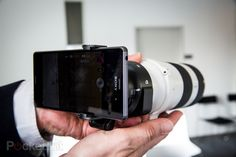 Sony QX1 and QX30: Bringing real and interchangeable lenses to your smartphone (hands-on)