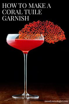 Red Cocktails, Cocktail Drinks, Cocktail Recipes, Craft Cocktails, Gourmet Food Plating, Cocktail Garnish, Food Garnishes, Garnishing Ideas, Alcohol Drink Recipes