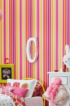 #cartadaparati #decorazioneparete #cartadaparatiaranzione Orange Wallpaper, Kids Wallpaper, Pattern Wallpaper, Flower Power, Orange Tapete, Interior Design, Retro, Wallpaper Patterns, Wall Papers