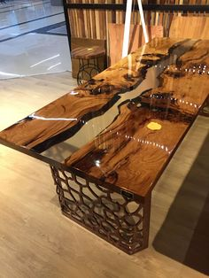 In the event that you wish to have an exceptional wood table, resin wood table might be the decision for you. Resin wood table furniture is the correct kind of indoor furniture since it has the polish and gives the… Continue Reading → Epoxy Table Top, Wood Resin Table, Wooden Tables, Dining Tables, Outdoor Dining, Mesa Live Edge, Live Edge Wood, Resin Furniture, Table Furniture