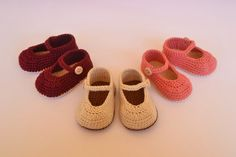 Merceditas de crochet para bebés  www.babybootsboutique.blogspot.com https://www.facebook.com/babybootsboutique Tienda en etsy: https://www.etsy.com/es/shop/BabyBootsBoutique