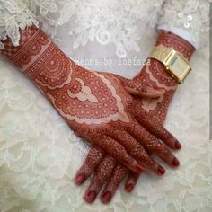 No photo description available. Indian Mehndi Designs, Mehndi Designs Book, Mehndi Designs 2018, Modern Mehndi Designs, Mehndi Design Pictures, Mehndi Designs For Girls, Wedding Mehndi Designs, Henna Designs Easy, Beautiful Henna Designs
