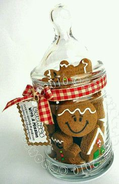 "Gingerbread Goodness in a Jar.any cookies packaged like this would be so cute! Adopts this gingerbread display! Going to put together a cute Gingerbread Girl Gift basket this year for my ""Keke' and Same' granddaughters! Christmas Jars, Christmas Sweets, Christmas Gingerbread, Christmas Goodies, Christmas Baking, Gingerbread Cookies, Christmas Holidays, Christmas Gifts, Gingerbread Houses"