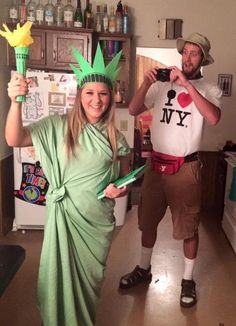 [orginial_title] – Erin Whitten Stylish Couples Costumes for Halloween 2017 NYC Tourist and Statue of Liberty Costume. Stylish Couple Costumes for Halloween. Fete Halloween, Halloween Costume Contest, Halloween 2017, Holidays Halloween, Halloween Costume Couples, Couple Costume Ideas, Easy Halloween, Best Couples Costumes, Family Costumes