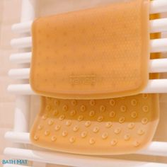 The natural #bath #mats allows your little ones to splash around at bath time without the risk of slipping or sit on any harmful chemicals. 100 % natural rubber -...