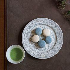 大磯のティーショップ〈TE HANDEL〉店主・加瀬さやかさんが開く「お茶会」が素敵過ぎると話題に!そこで今回は、友人たちを招いた「秘密のお茶会」を特別にご紹介。是非インテリアやフードコーディネートなどのお手本にしたい、北欧と日本のスタイルが融合した加瀬さんの世界観をご堪能あれ!