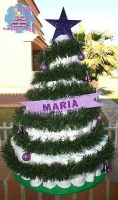 Tarta de pañales arbol de navidad Holiday Wreaths, Holiday Decor, Tree Skirts, Christmas Tree, Home Decor, Nappy Cake, Baby Gifts, Towels, Creativity