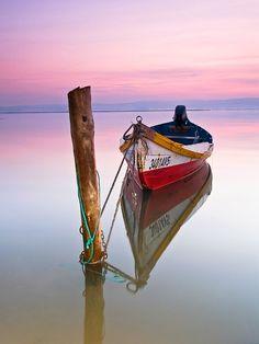 Mi barca hoy descansa.