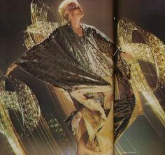 Thea Porter gold lamé caftan. Photograph by Norman Parkinson, for British Vogue December 1972.