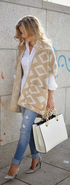 Fall / Winter - White and Tan Geo Print + Denim Jeans + Handbag + Snakers Nude Pumps