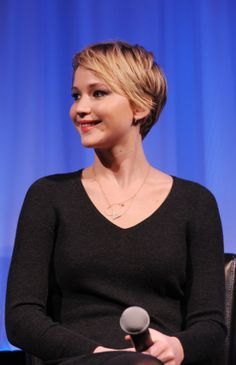 """Jennifer Lawrence Photos Photos: The Academy Of Motion Picture Arts And Sciences Hosts An Official Academy Members Screening Of """"American Hustle"""" Jennifer Lawrence American Hustle, Jennifer Lawrence Hair, Short Hairstyles For Women, Messy Hairstyles, Face Facial, Celebs, Celebrities, Hollywood Actresses, American Actress"""