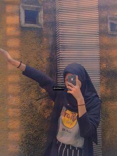 Feminine, Selfie, Style Inspiration, Mirror, Wallpaper, Girls, Fashion, Women's, Wallpaper Desktop
