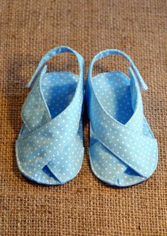 Mimi Baby Shoes - PDF Pattern - Newborn to 18 months.