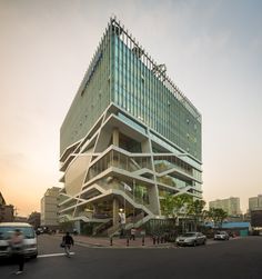 Built by UnSangDong Architects in Seoul, South Korea with date 2012. Images by Fernando Guerra   FG+SG. The city is required the concept of urban regeneration which renews the abandoned and polluted environment. The curre...